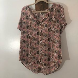 Short sleeve blouse by Daniel Rainn size Medium